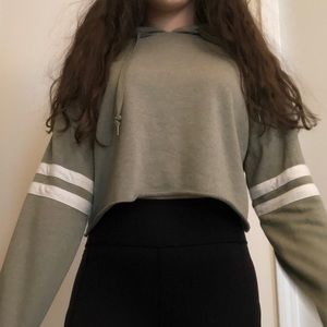 rue 21 olive green cropped sweater shirt